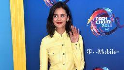 Звездите избраха цветни тоалети за наградите Teen Choice (галерия)