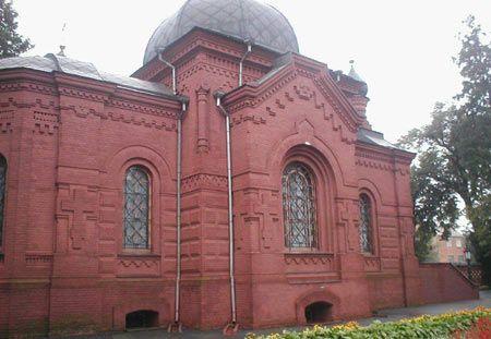 Пирогов все така си почива в малка семейна гробница във Виница (днешна Украйна