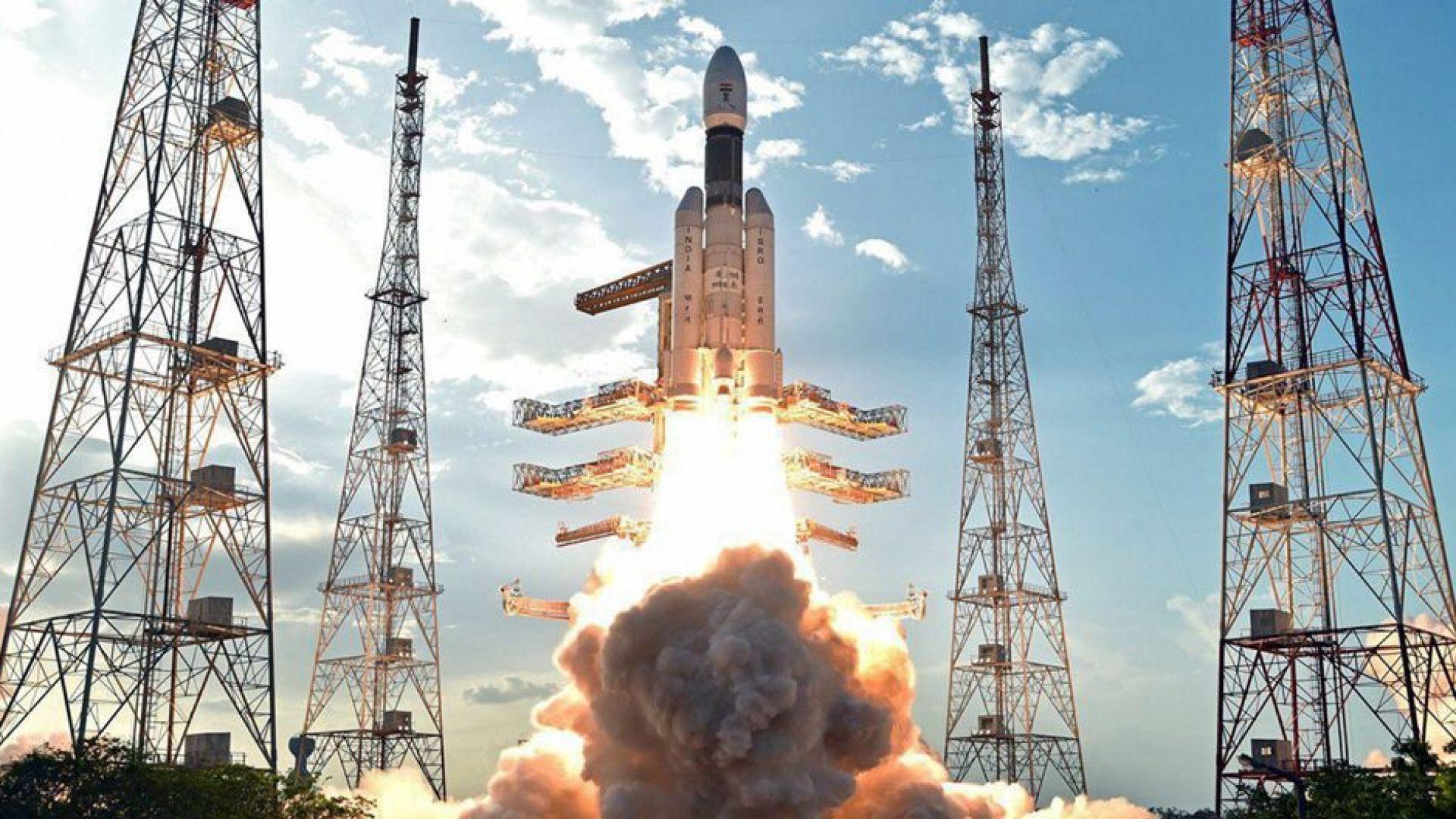 Индия дава $1,43 млрд. за пращането на човек в Космоса