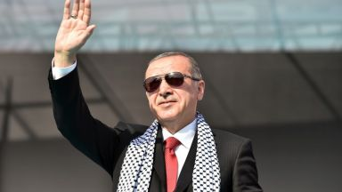 Ердоган пак задряма на пресконференция, този път в Молдова (видео)