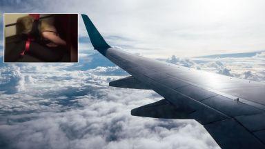 Пияна рускиня беснее в самолет, връзват я, за да е мирна (видео)