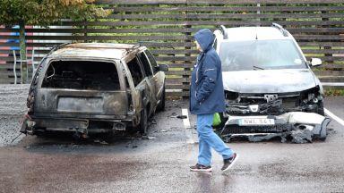 Палежите на коли в Швеция били организирана акция