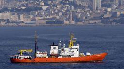 """Каталуния готова да приеме кораба  """"Акуариус"""" със 141 мигранти"""