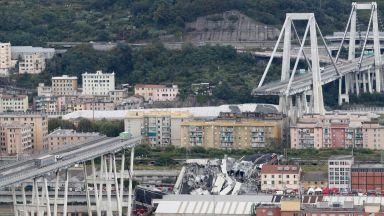 Трагедията в Генуа в снимки