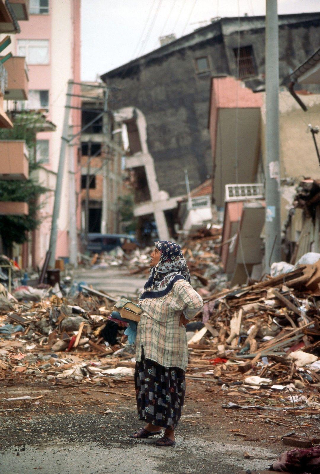 Земетресението разруши стотици хиляди жилища