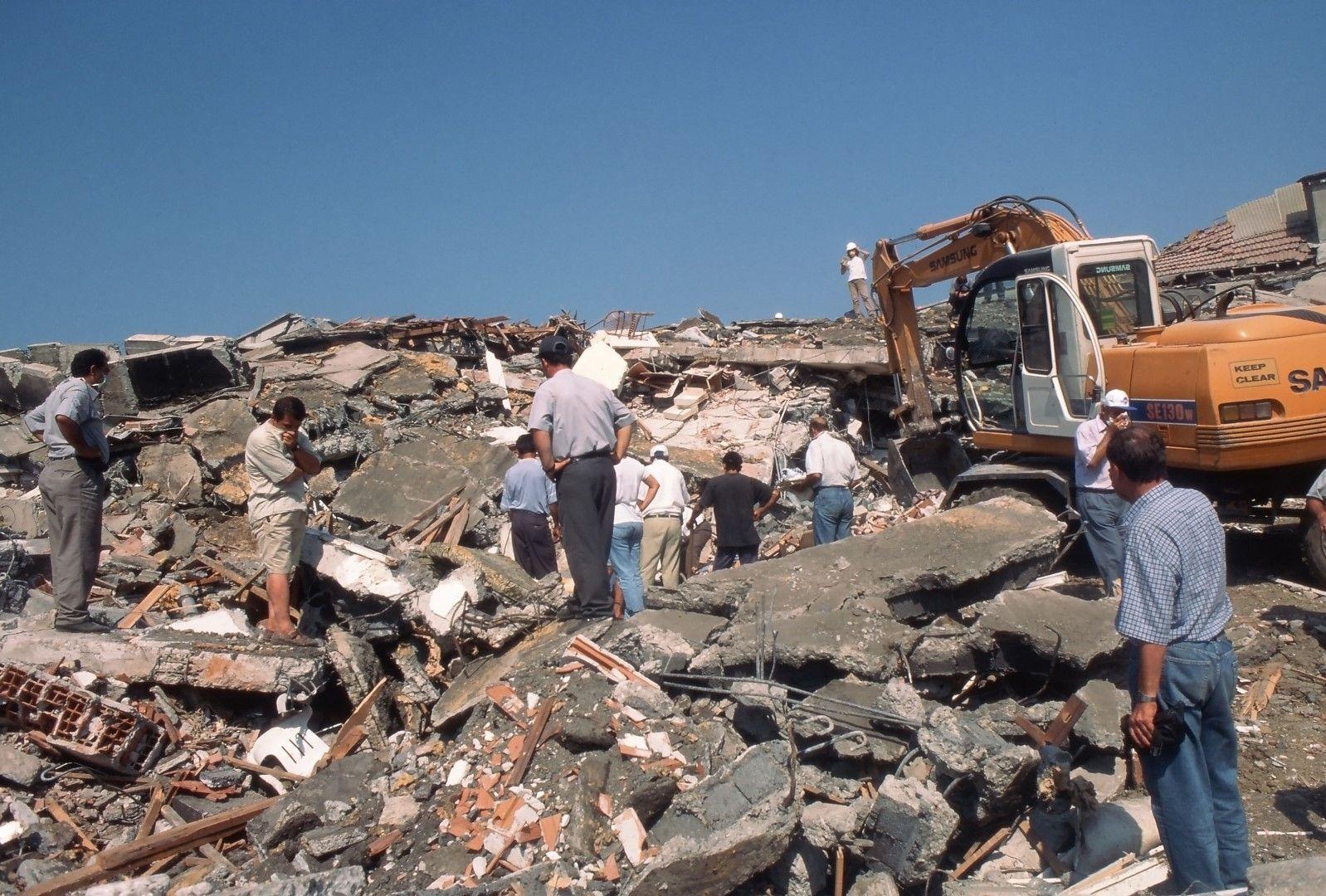 Материалните щети се оценяват на около 10 млрд. долара