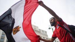 Шест години след трагедията Египет връща феновете на стадиона