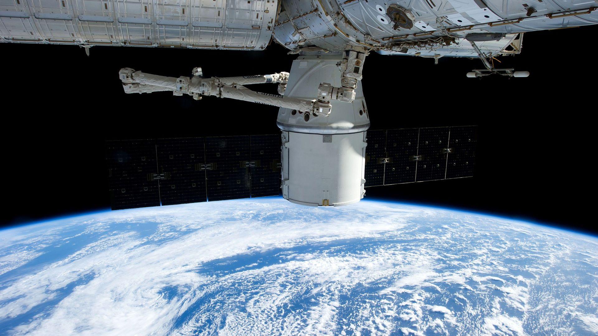 Франция обвини Русия в опит за шпионаж чрез сателит