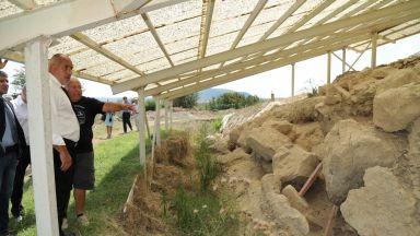 Борисов посети най-стария град, след като откри ремонтиран път