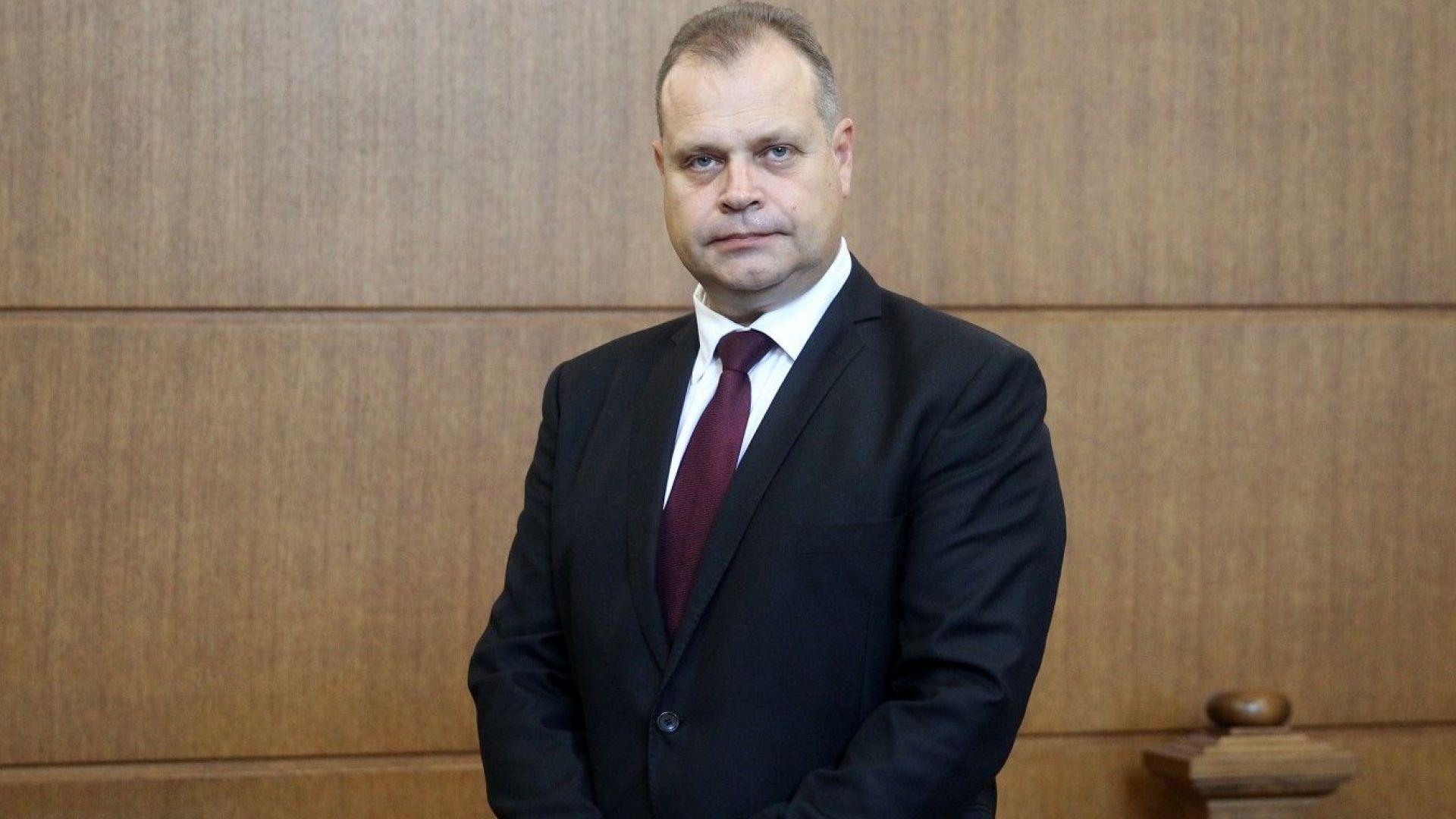 Съдът върна на прокуратурата делото срещу бившия шеф на АПИ