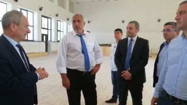 Борисов: Над 200 училища в цялата страна се ремонтират основно