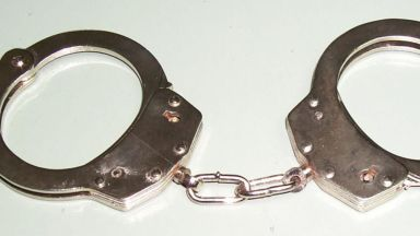 Съдът остави зад решетките наркопласьор, укривал екстази и в гробищния парк