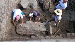 Вижте цялата статуя, която беше извадена в Хераклея Синтика
