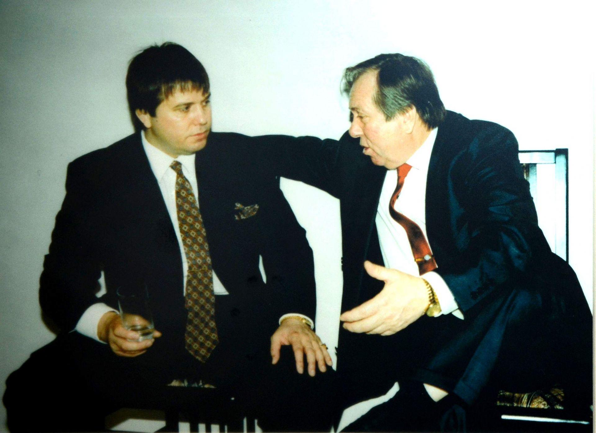Павел Найденов със сина си (Снимка: Личен архив)