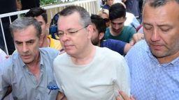 И по-висш съд в Турция отхвърли иска за освобождаване на американския пастор