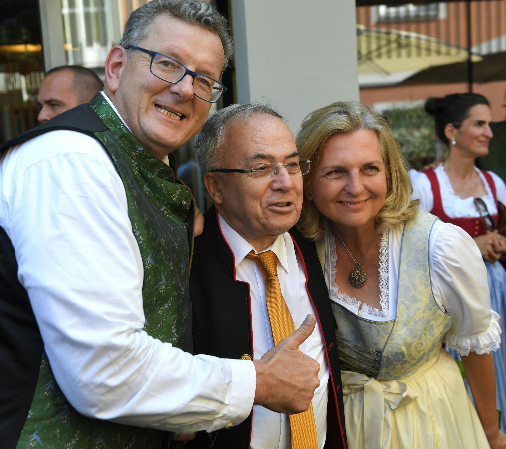 Сватбата на австрийската външна министърка