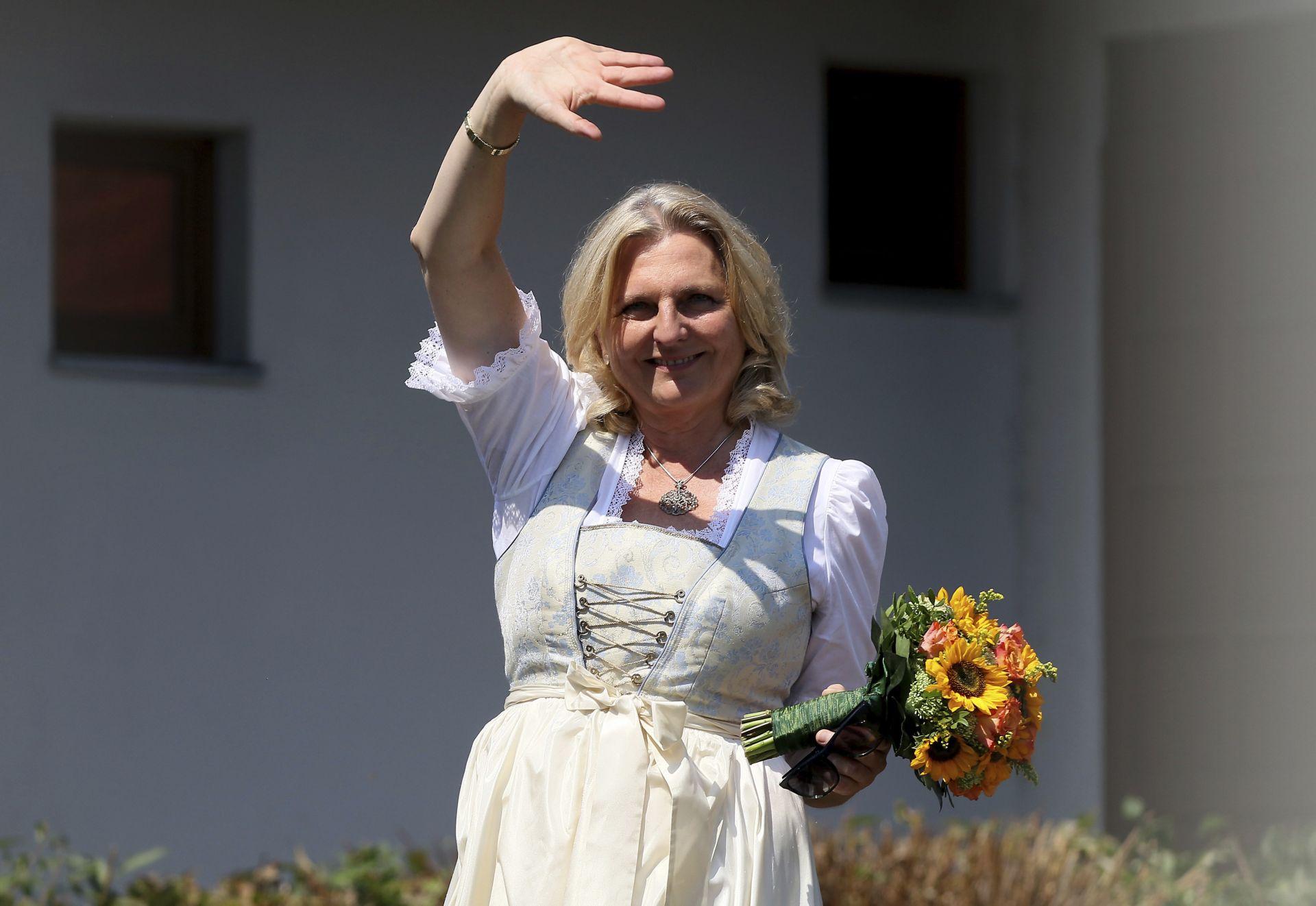 Щастливата булка, която предизвика политическа буря в Австрия
