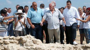 Борисов видя гробница в Маноле:  Това е уникално за света