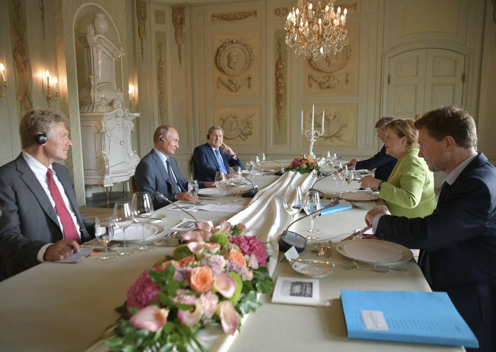 От руска страна в преговорите взе участие и сътрудникът на президента Юрий Ушаков