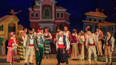 """Музикалният театър гостува на Античния театър с оперетата """"Българи от старо време"""""""