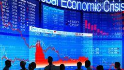 Идва ли глобална криза: Световният дълг достигна $250 трилиона