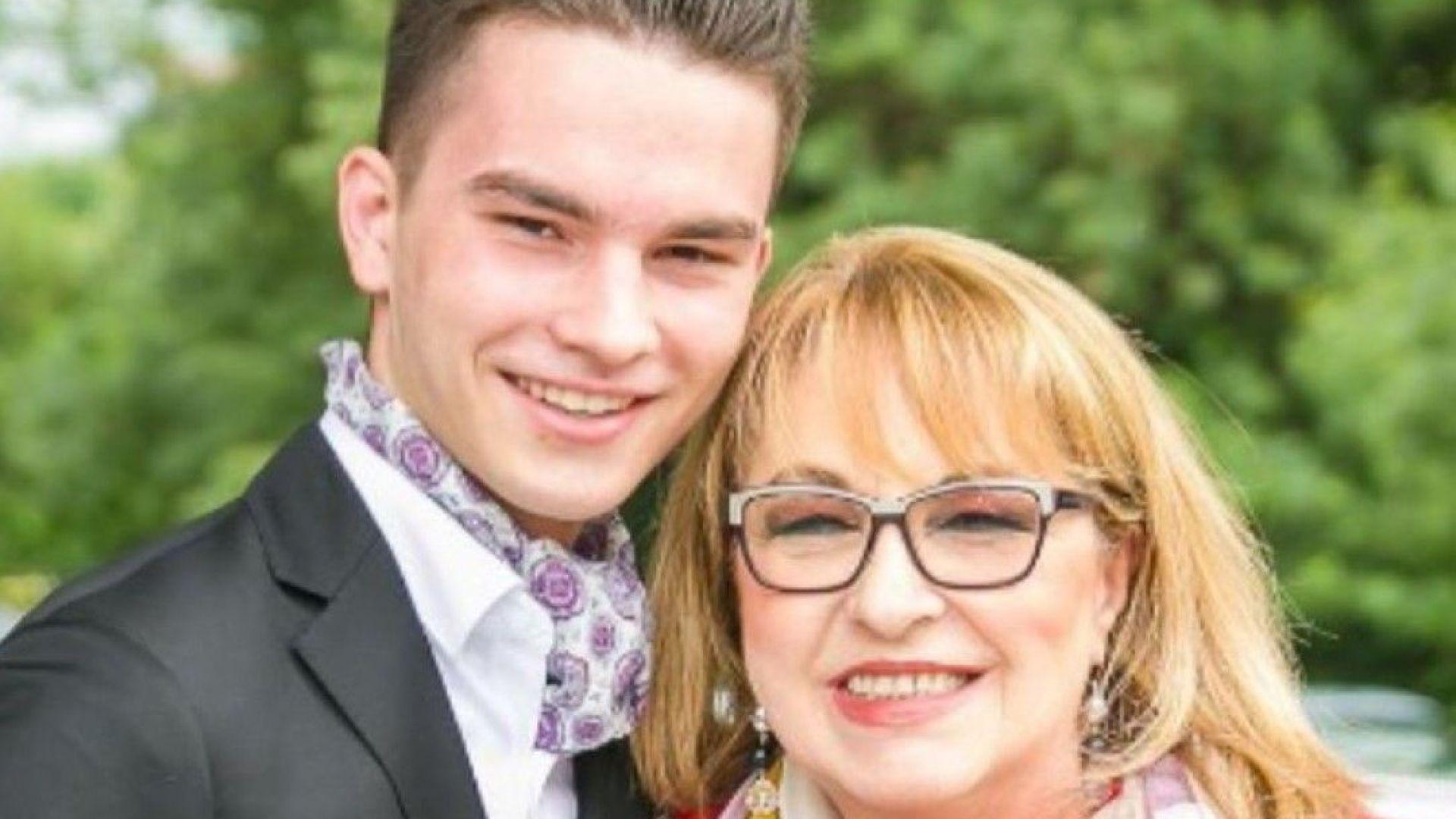Марги Хранова поздрави внука си за 19-ия му рожден ден с мил кадър