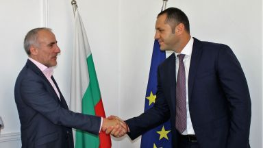 Financial Times идва в България
