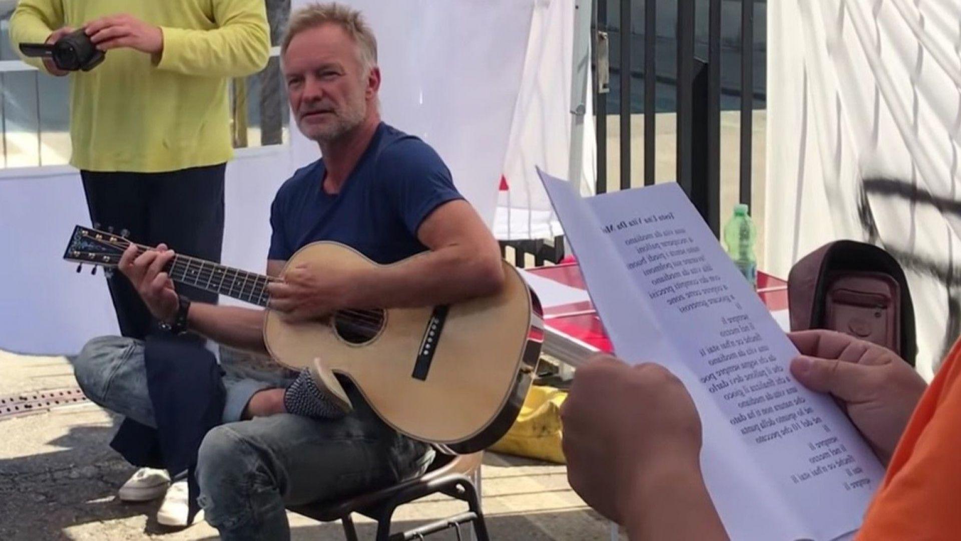 Стинг пя с италиански работници на улицата (видео)