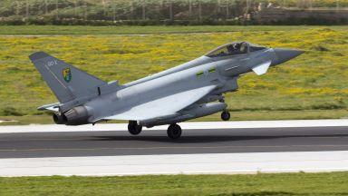 """Британски """"Тайфун""""-и прехванаха 2 руски бойни самолета над Черно море"""