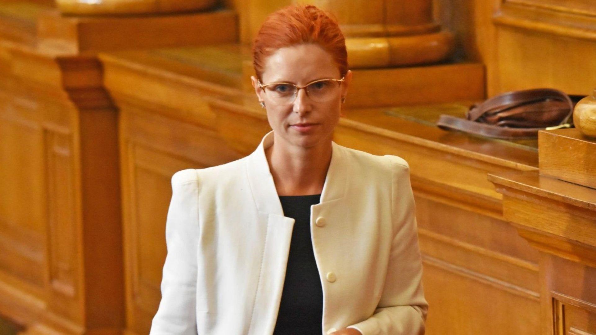 """Ралица Агайн : Още на 10 май информирах Караиванова за фалита на """"Олимпик"""""""