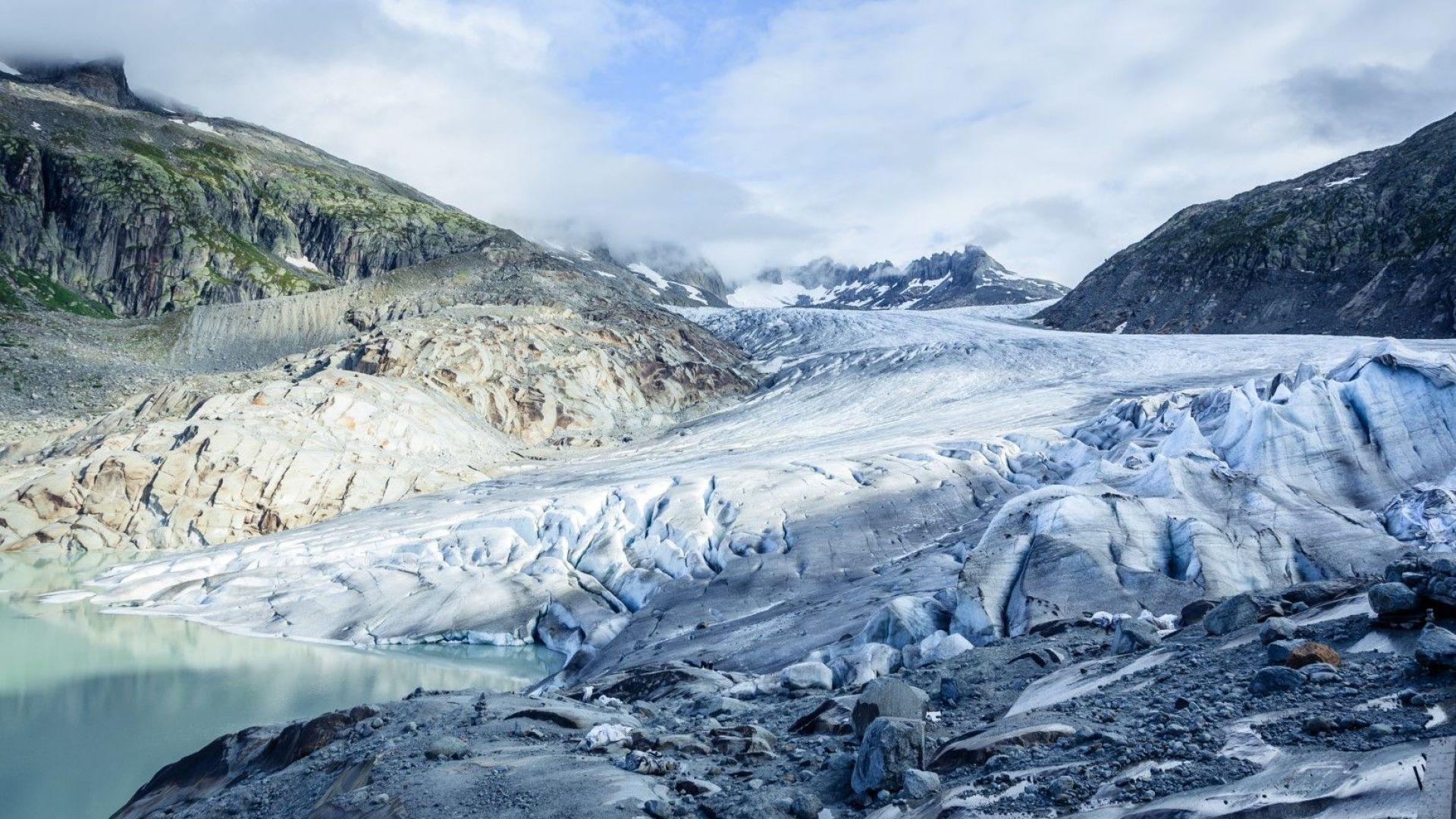 Най-големият ледник в Гренландия отново нараства