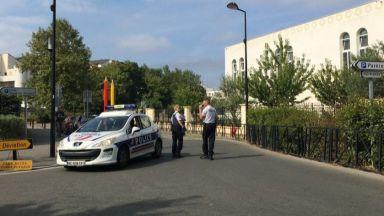 """Един убит и двама ранени при атака с викове """"Аллах"""" във Франция"""