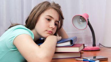 Какво да правим, ако детето ни лъже за училище