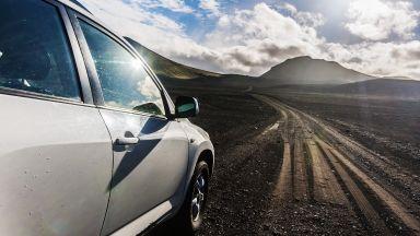 Глобиха с $11 000 туристи заради екстремно шофиране в Исландия