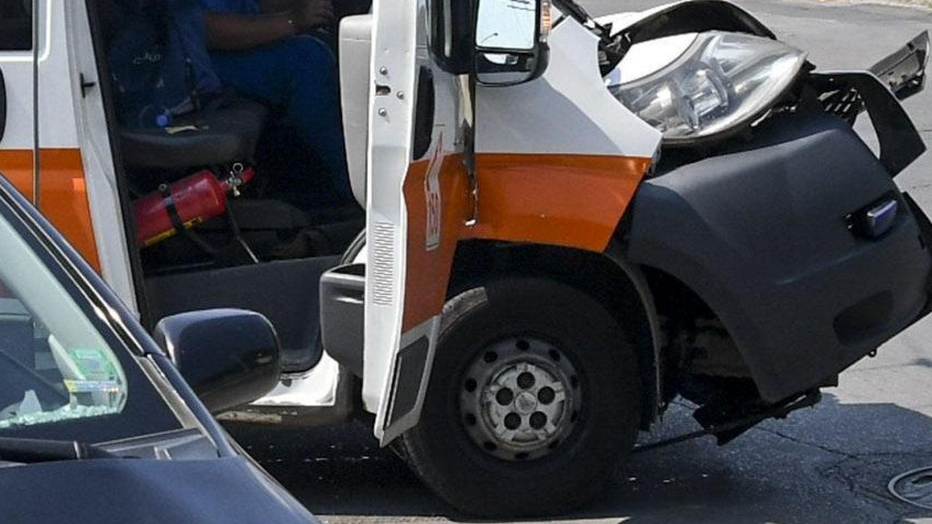 Шофьорът, ударил линейка и три коли на Околовръстното, бил дрогиран