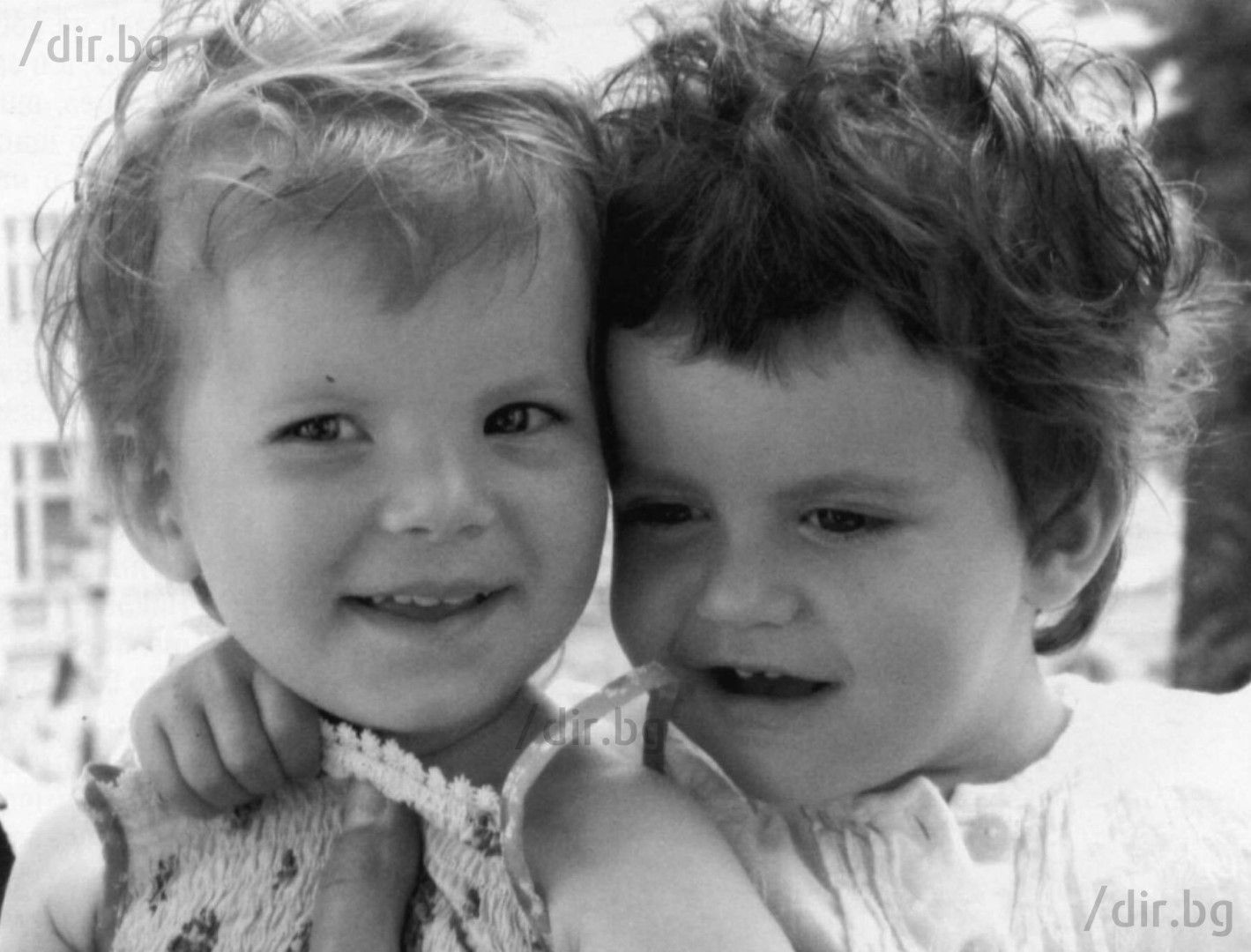 Дъщерите на Георги и Мая - Криста и Андреа, на кръщенето им. Осиновяват ги броени месеци преди екзекуцията на боса на ВИС.