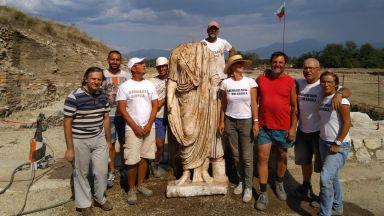 Археологът Людмил Вагалински, чийто екип откри римската статуя на Хераклея Синтика пред Dir.bg