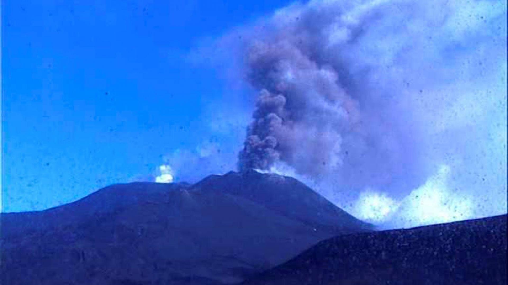Силни експлозии на вулкана Етна
