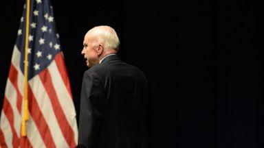 Джон Маккейн загуби борбата с рака