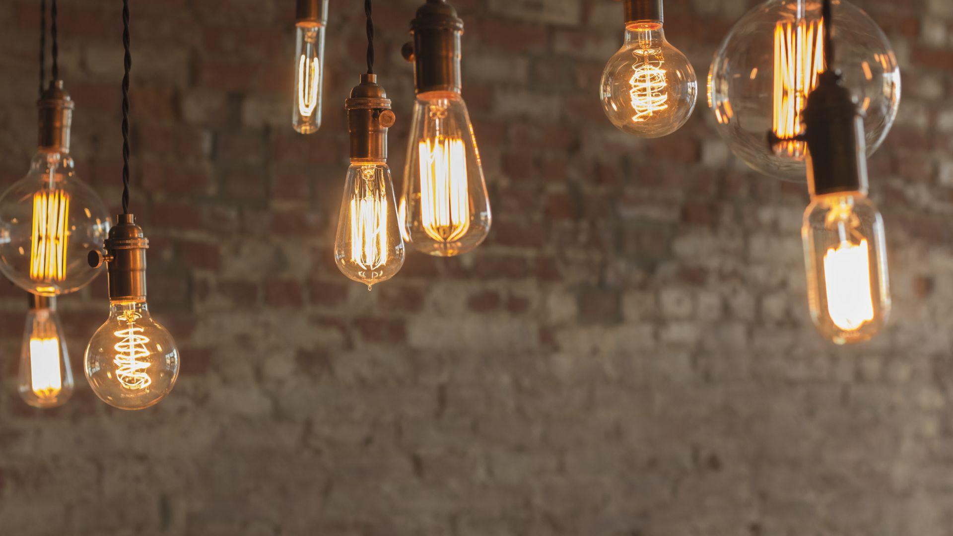 Европа забранява халогенните лампи