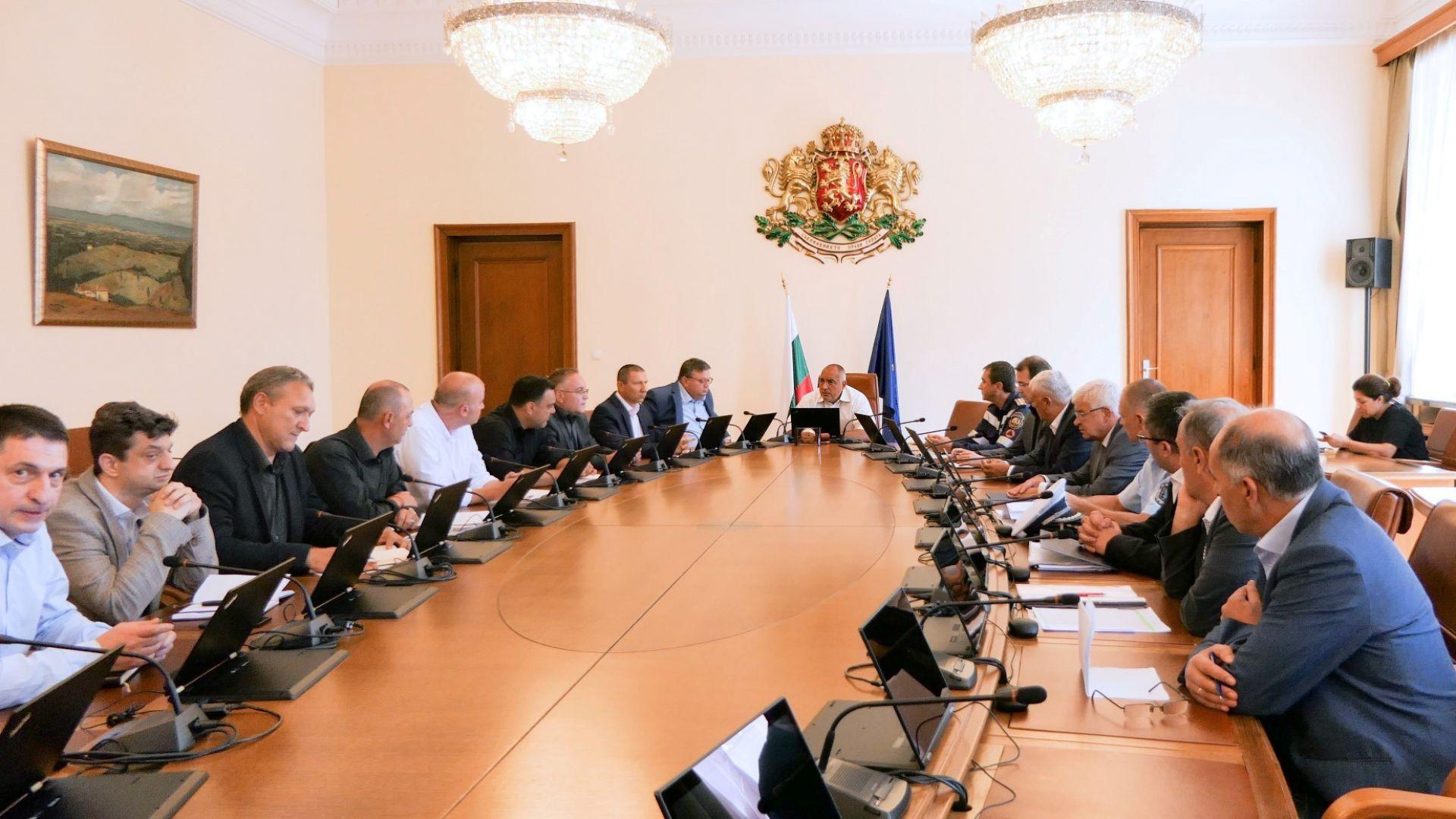 Разиграват варианти за министри на 3 септември, но няма да ги съобщят