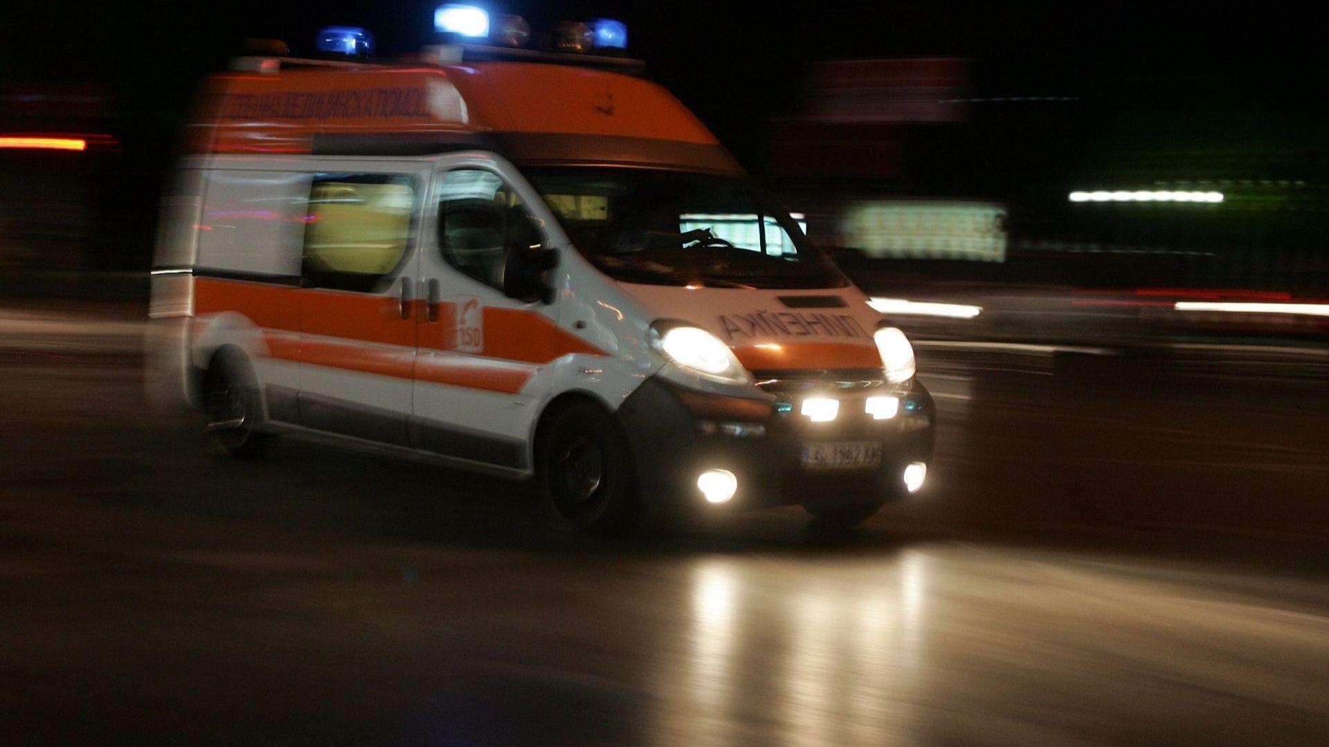 Двама загинаха, един е ранен при жесток удар на пътя Стара Загора-Казанлък