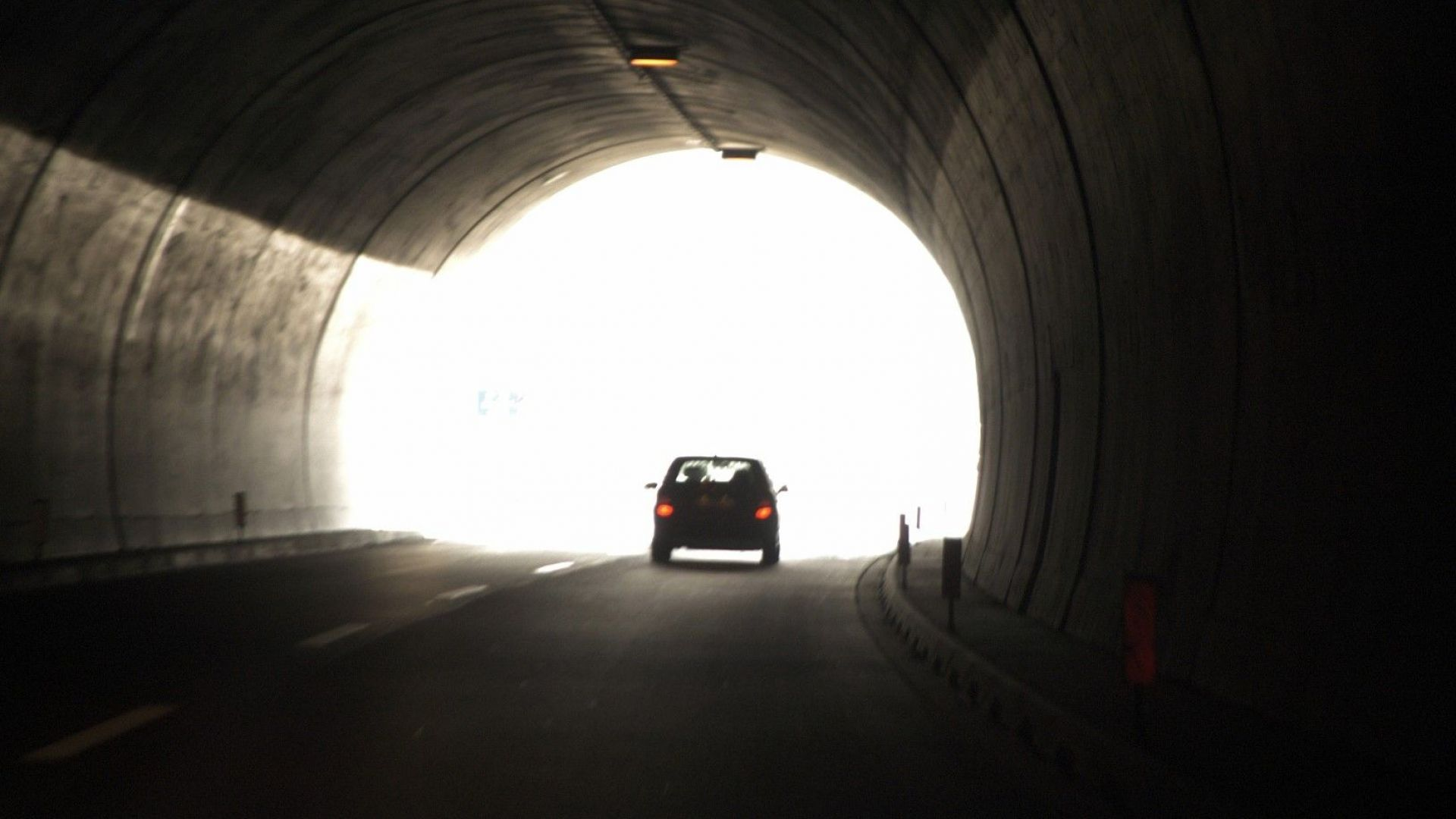"Авария остави на тъмно тунел ""Траянови врата"""