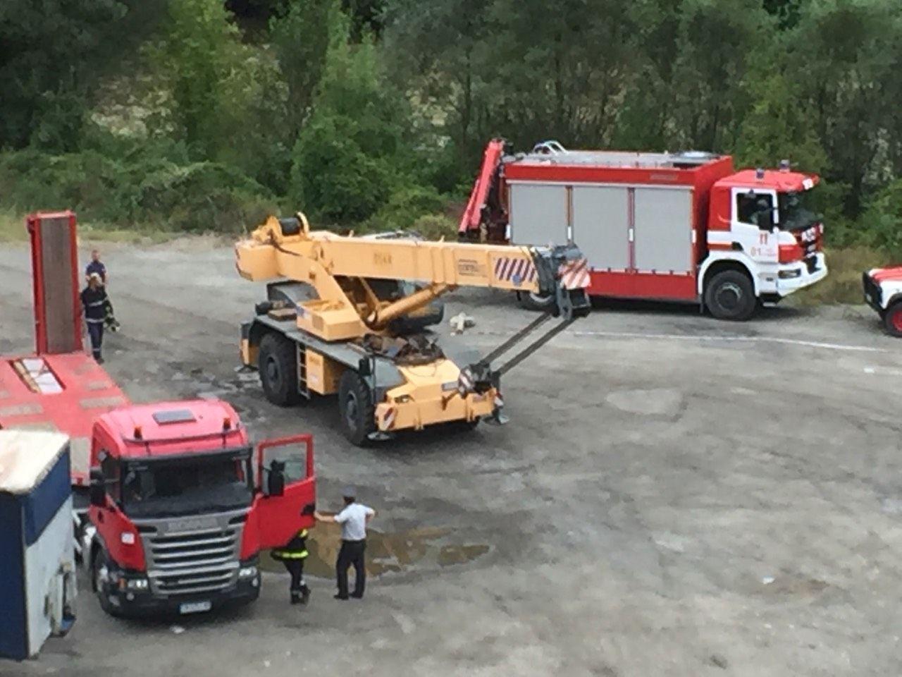 Започна изтеглянето на катастрофиралия автобус край Своге