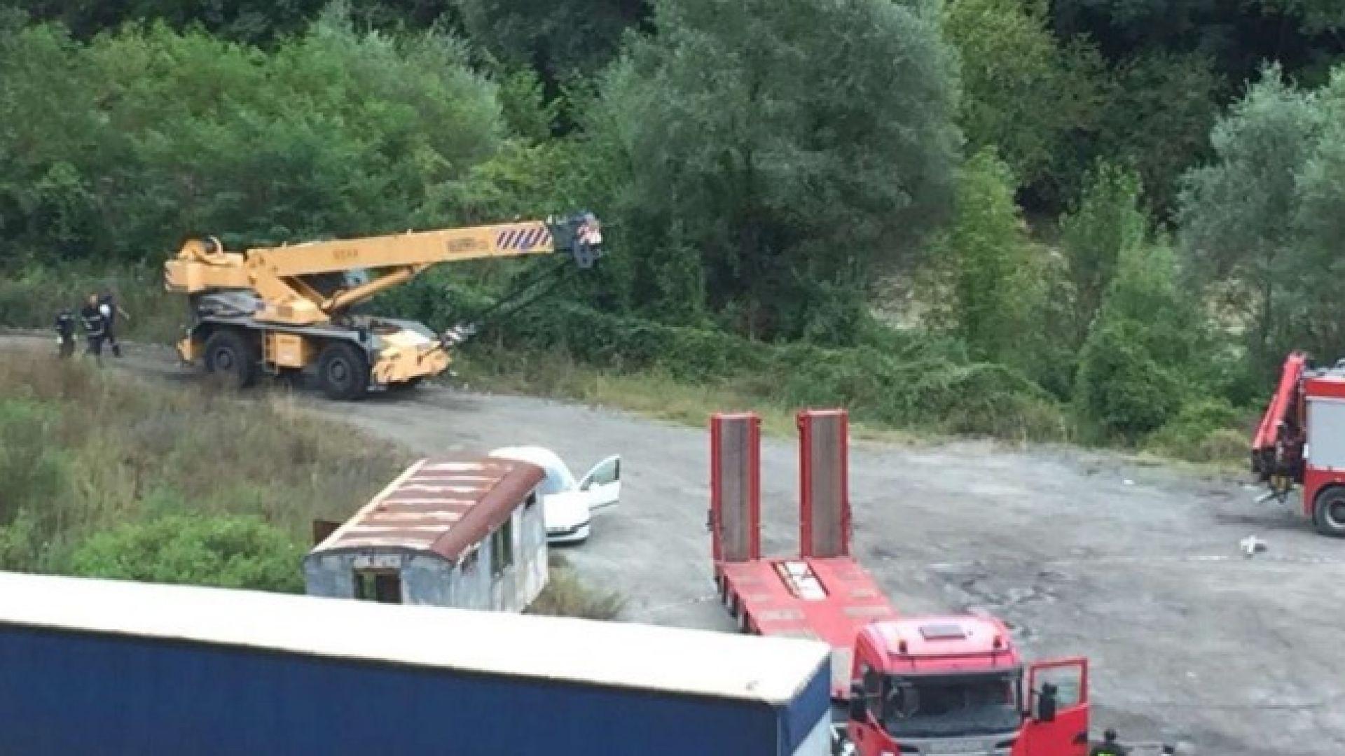Изтеглиха автобуса-ковчег край Своге