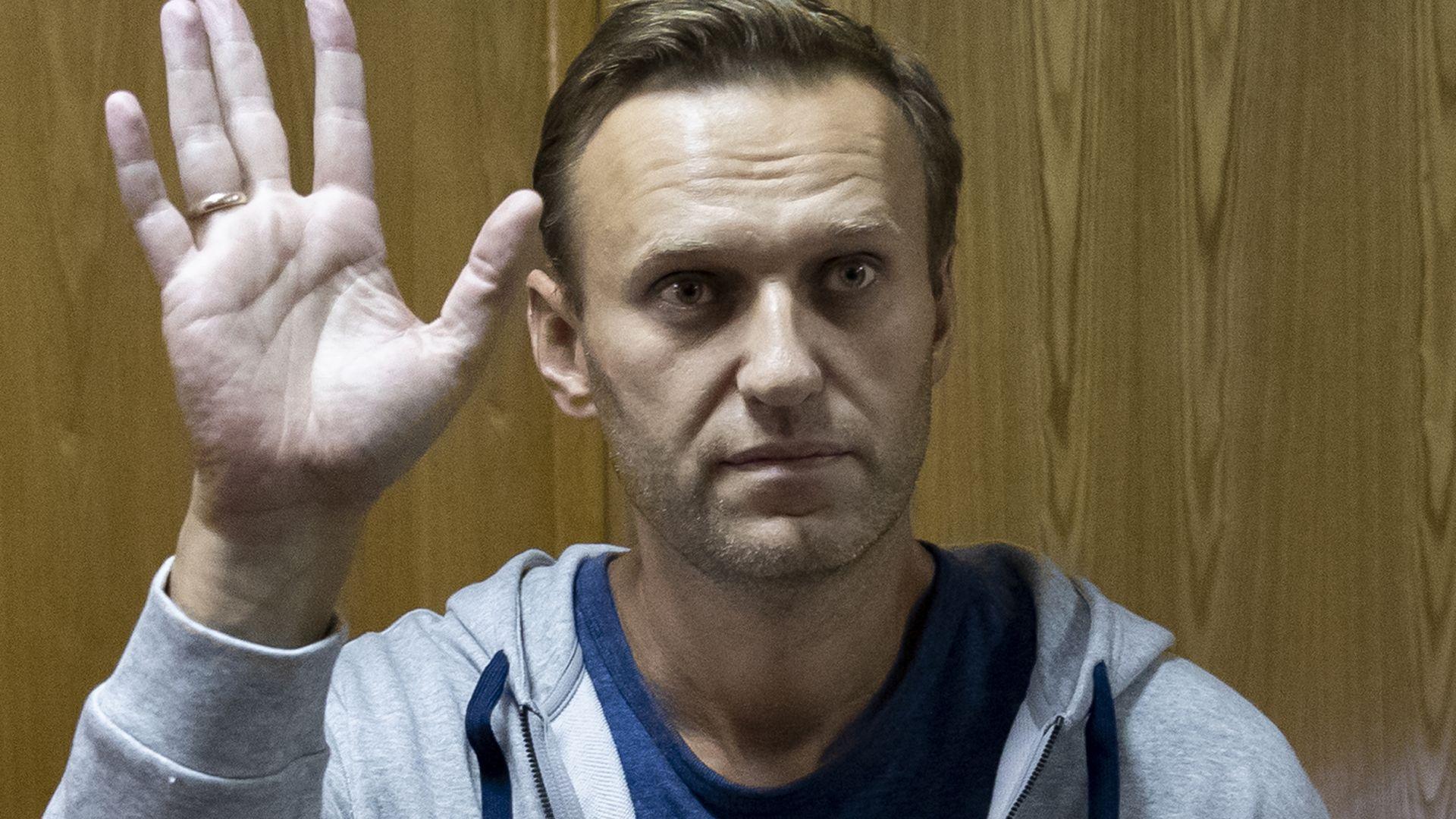 Алексей Навални отново е задържан, след като призова за протест (видео)