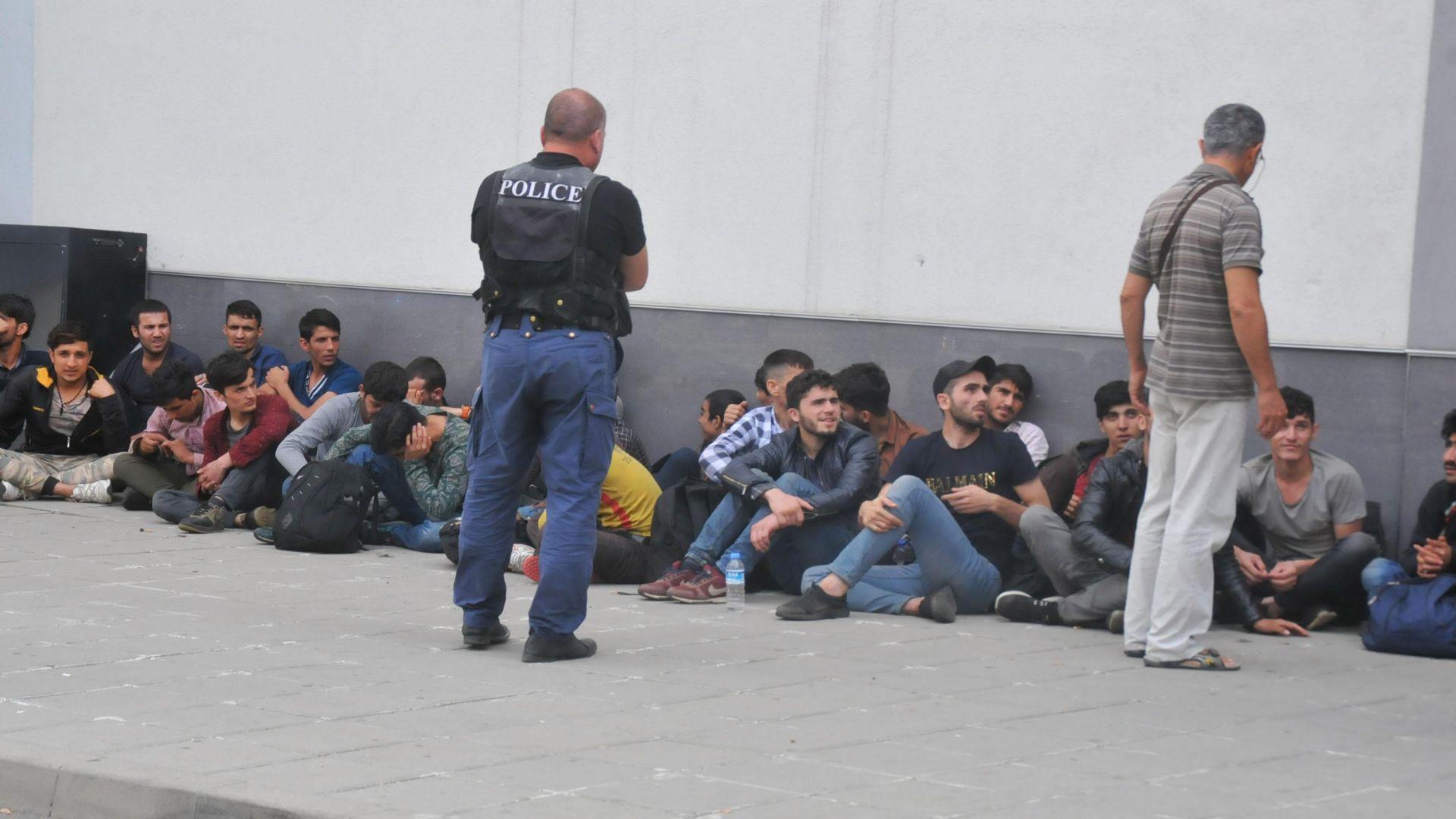 БСП е против изграждането на кризисни бежански центрове
