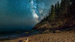 """Тюлен се """"промъкна"""" в снимка на Млечния път"""