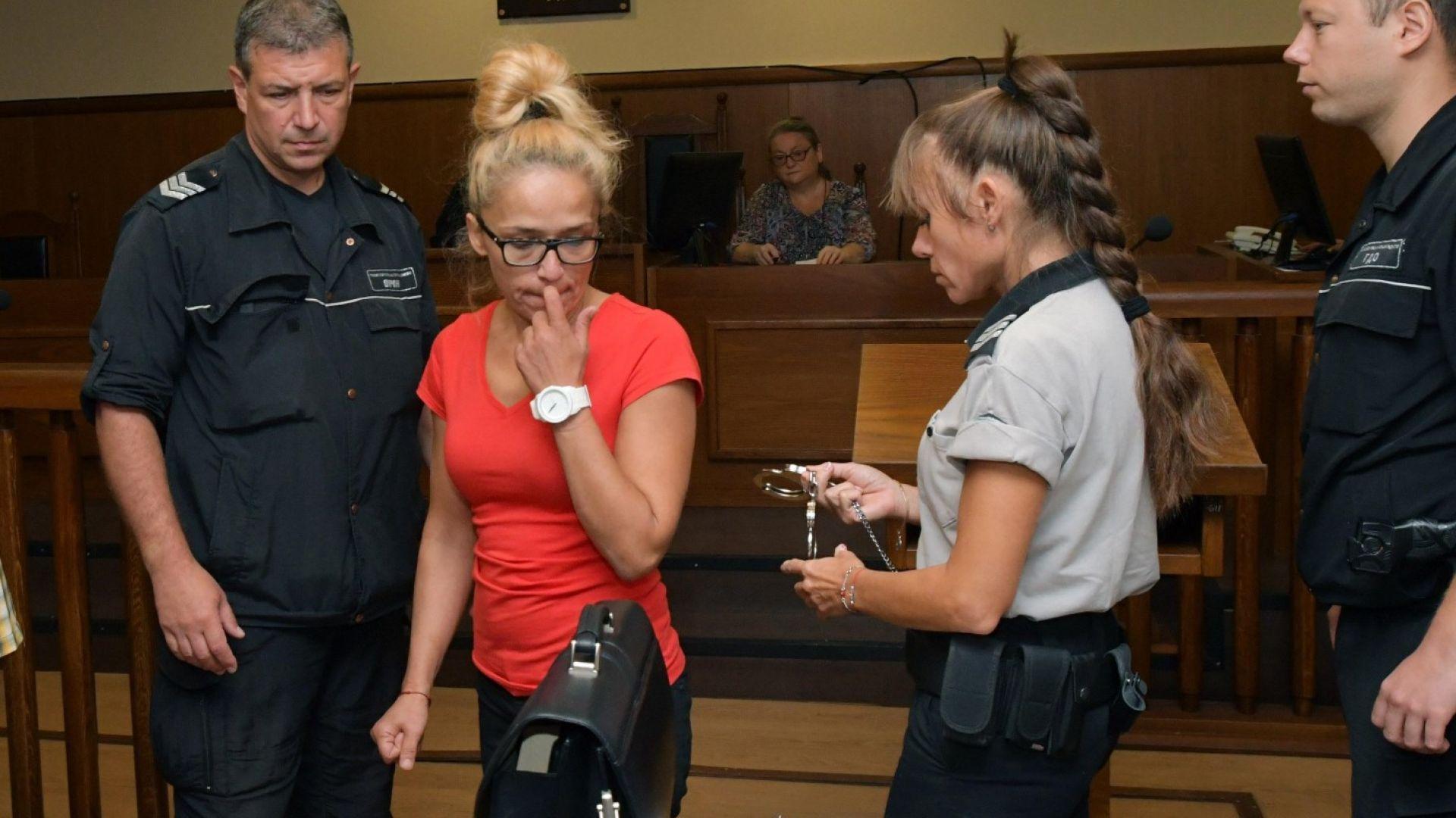 Инвеститори разказаха пред съда за рекет на Иванчева
