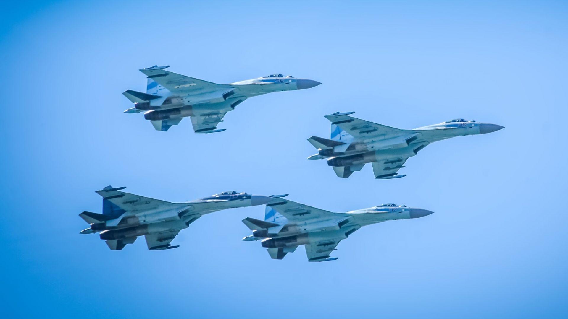 """Русия проведе експеримент с """"рояк"""" изтребители в реални бойни условия"""